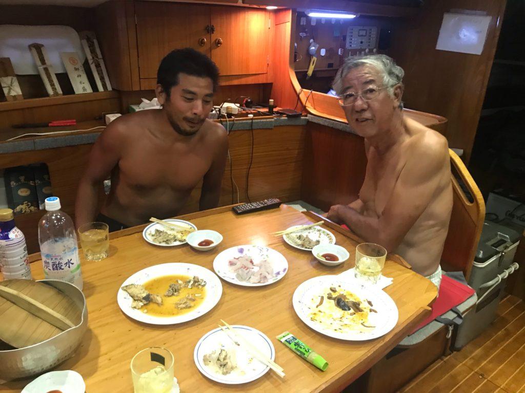 ヨット 食事